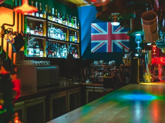Сайт ночного клуба квадрат в пензе клуб серфинг в москве